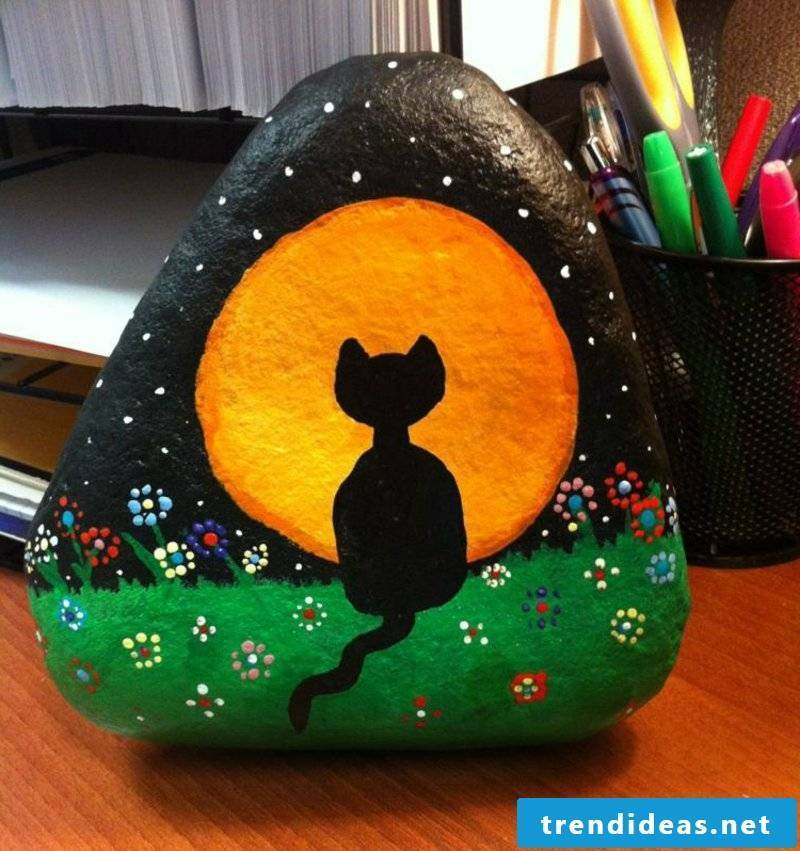painted stones cat and full moon