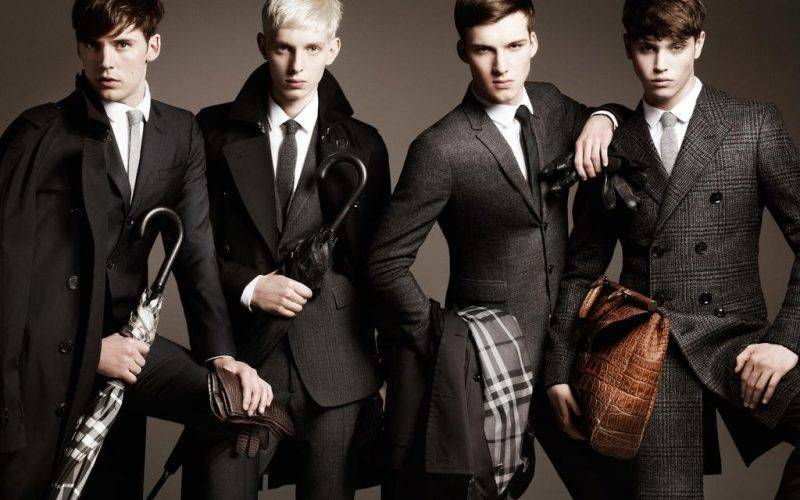 Men's hairstyle 2015 Burberry shows head and pony