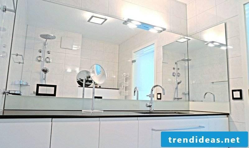 Bathroom mirror lighting
