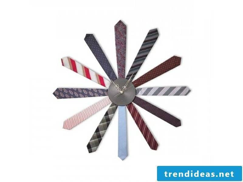 modern wall clocks colored ideas