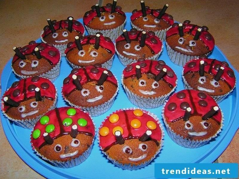 Child muffins ladybug