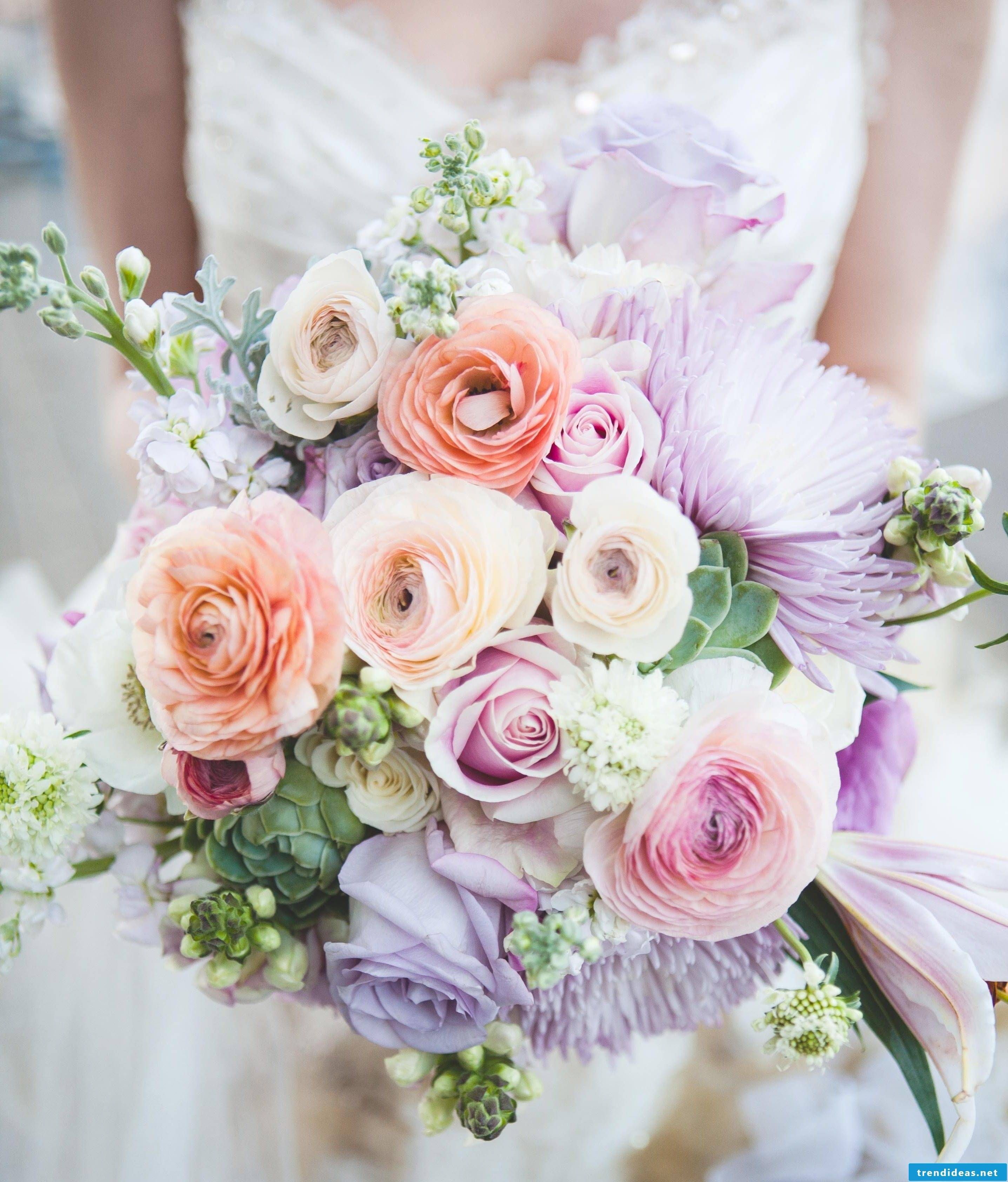 The bridal bouquet of your dreams is in pastel colors