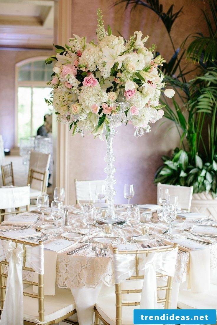 The wedding decoration in pastel colors is totally hip for 2018!