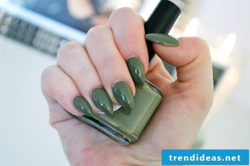 Nail art design khaki color