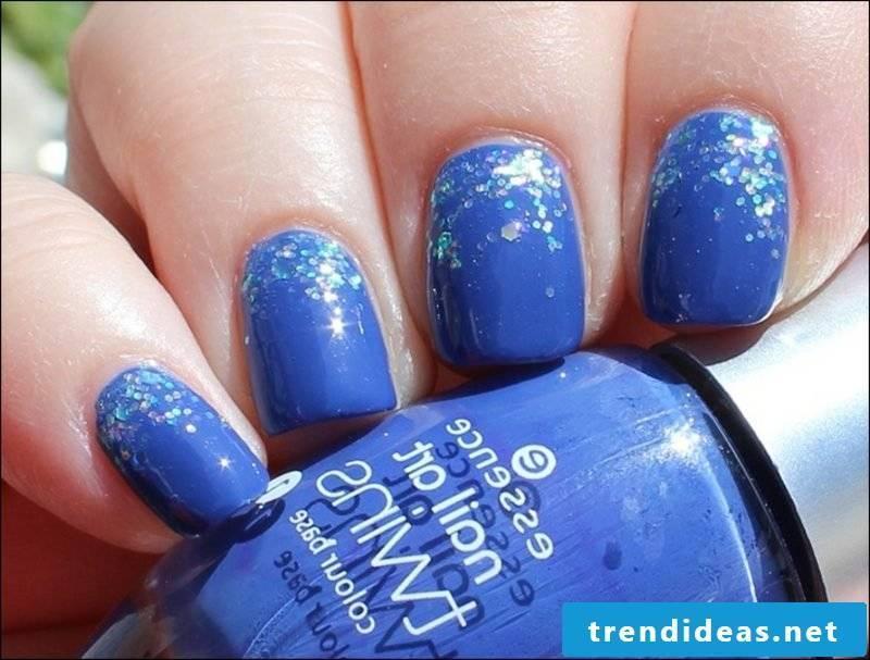 Nail art design deep blue
