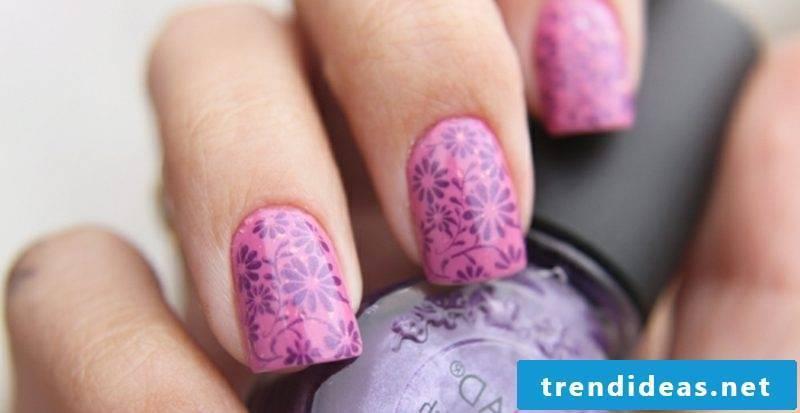 Nail art design original accents violet