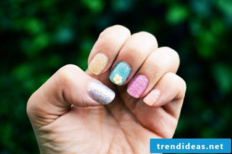 Nail art design in spring color trends