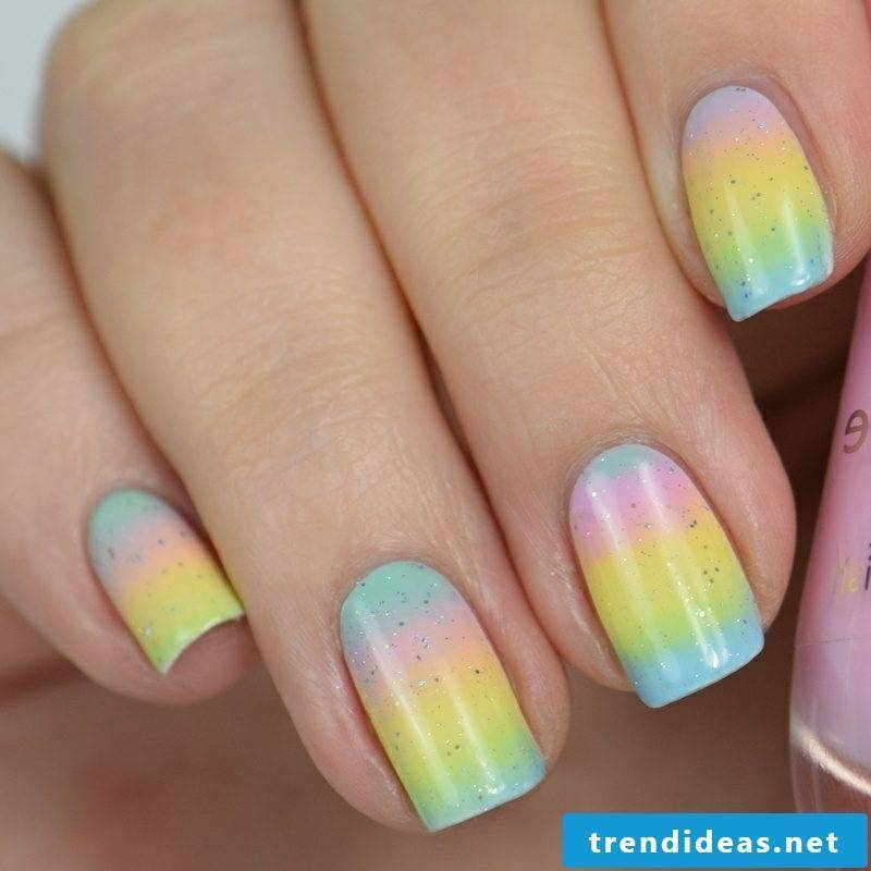 Fingernails with ombre effect rainbow