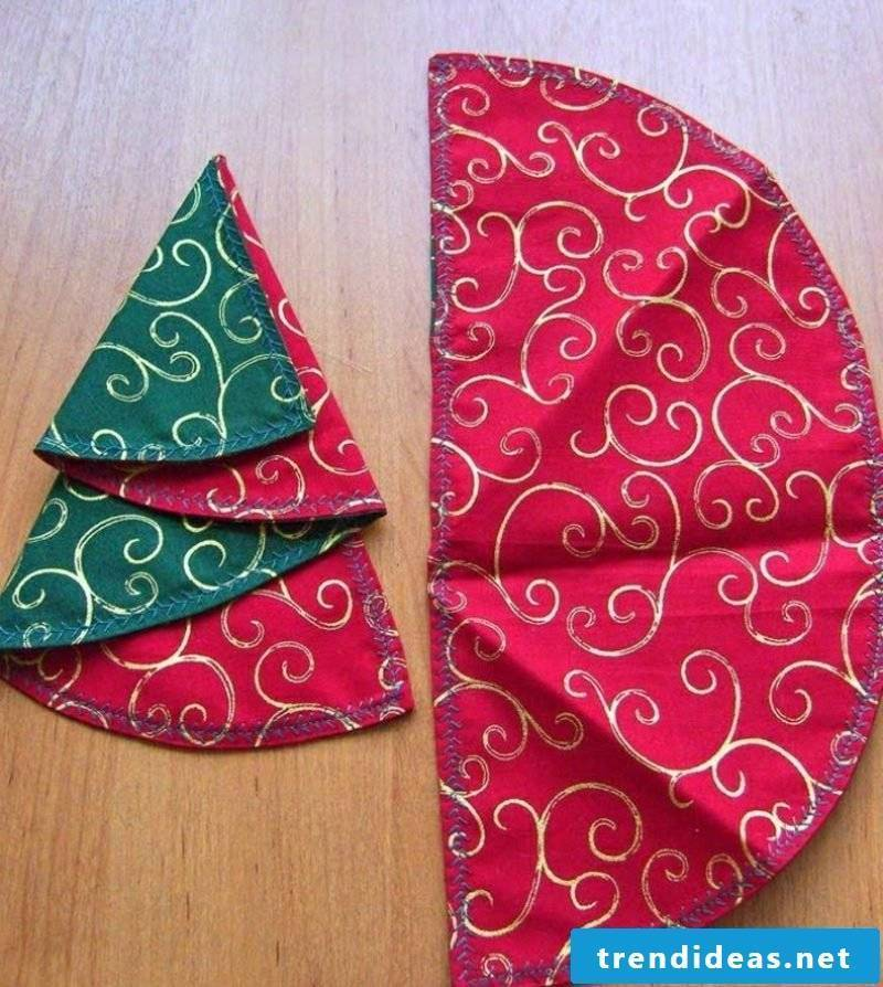 Napkins fold for Christmas fir-tree double-sided