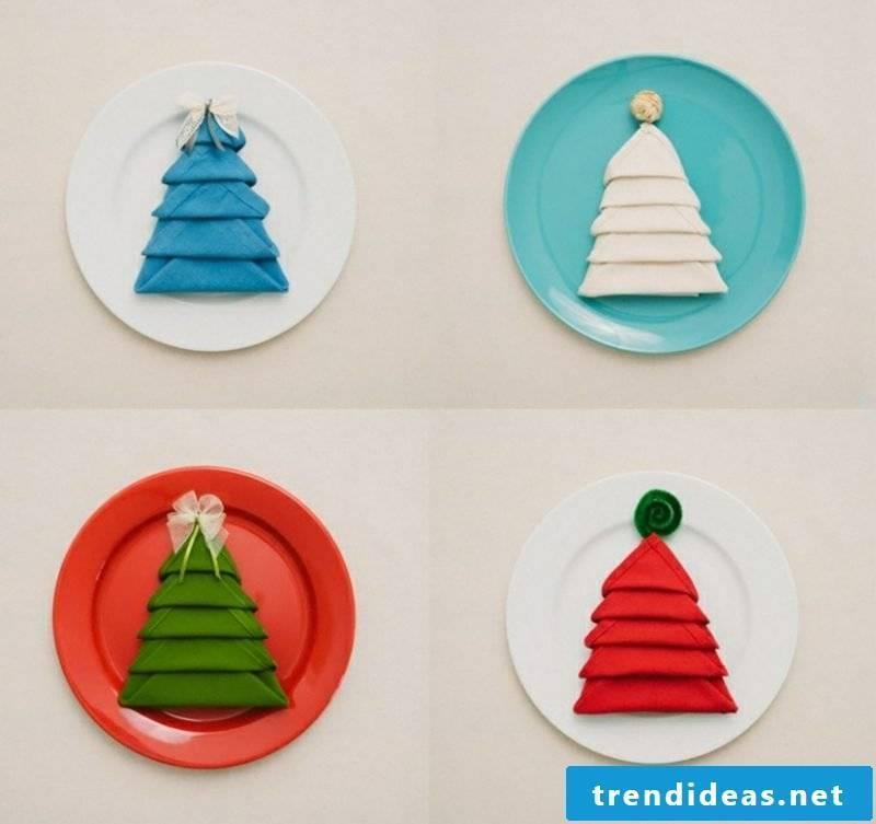 Napkins are folding for Christmas tree