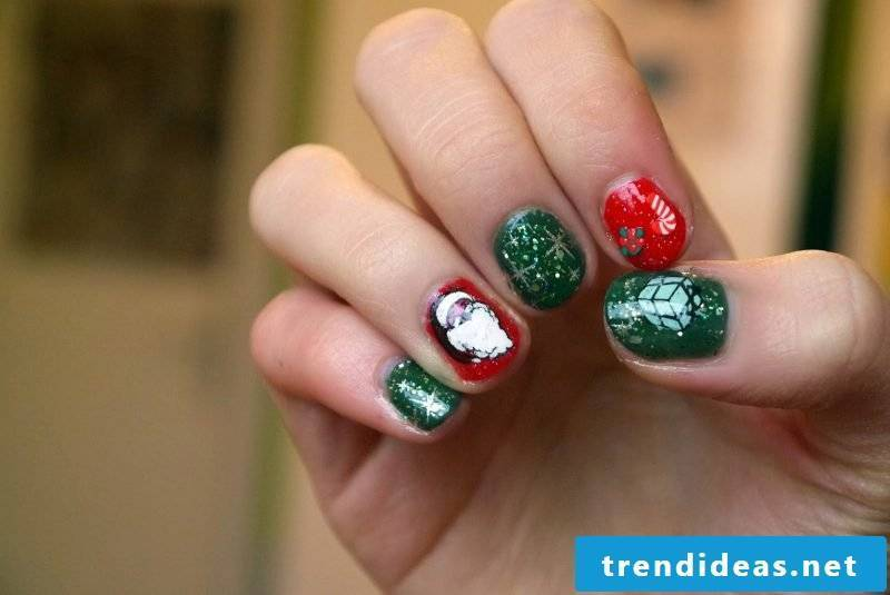 Beautiful gel nails are the best choice for St. Nicholas Day as they last until Christmas