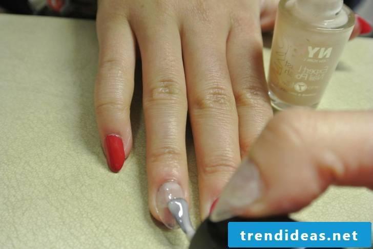 Beautiful gel nails instructions step 3