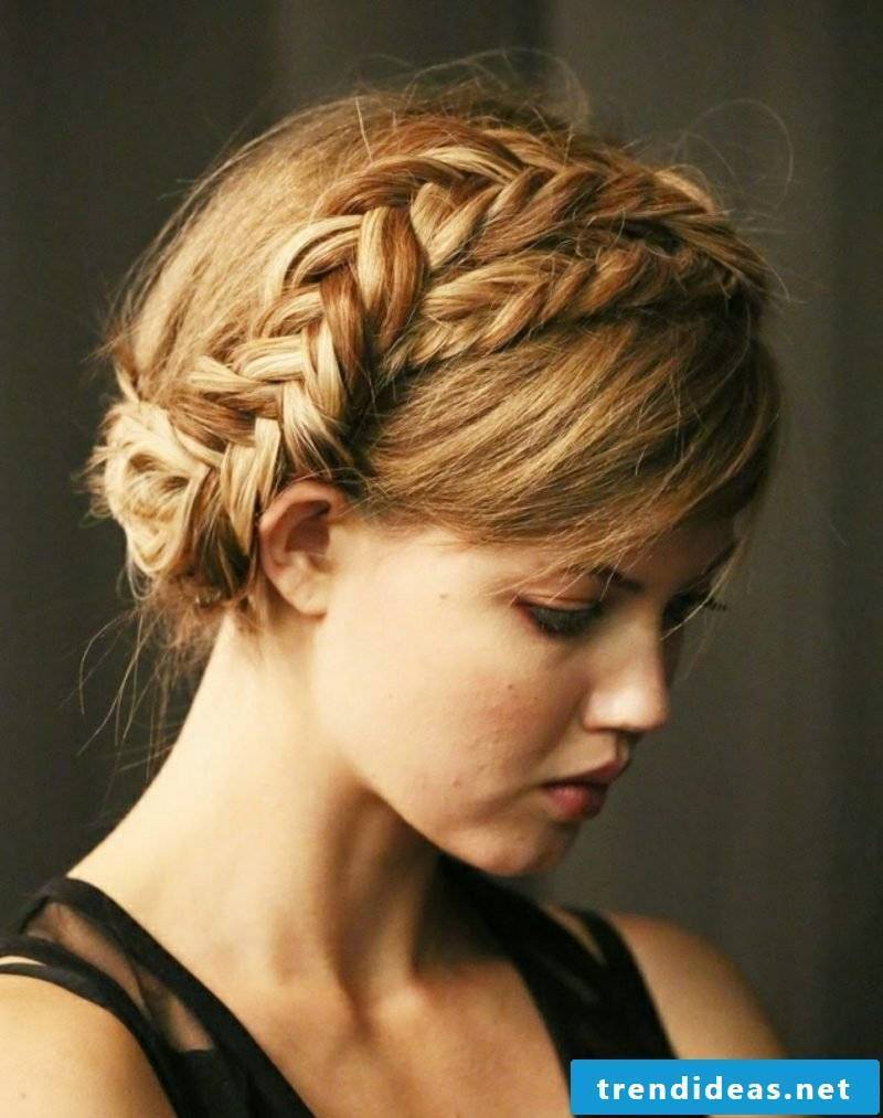 Make hairstyles yourself for Oktoberfest