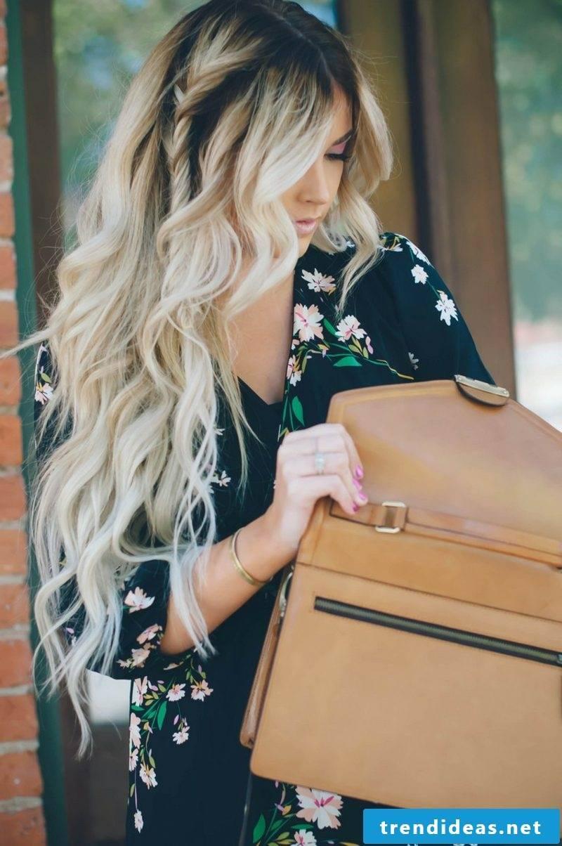 Balayage technique long hair blonde