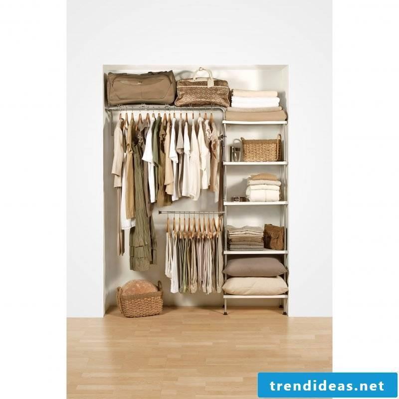 DIY walk-in wardrobe according to your own taste