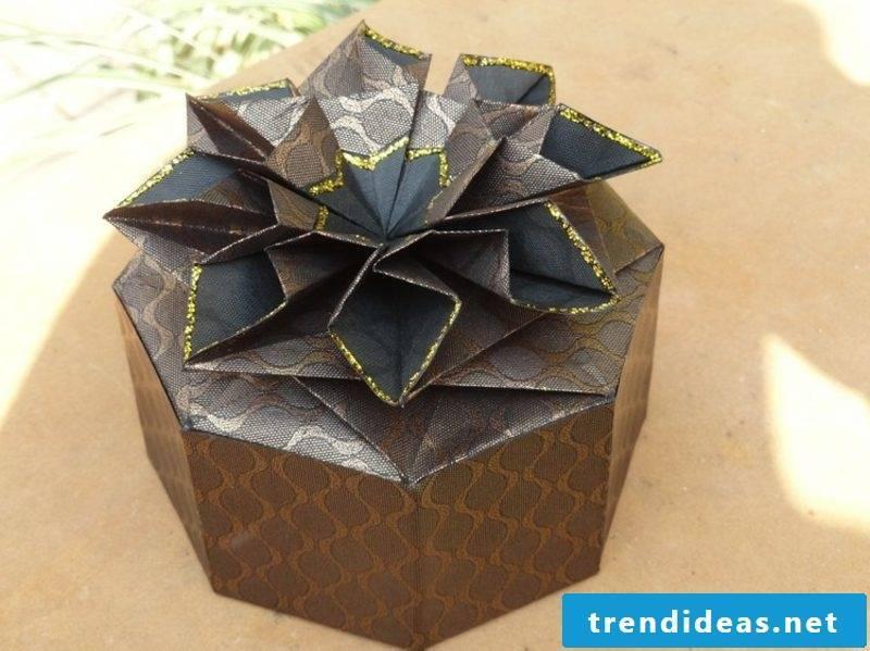 Origami Christmas Gorgeous Gift Box