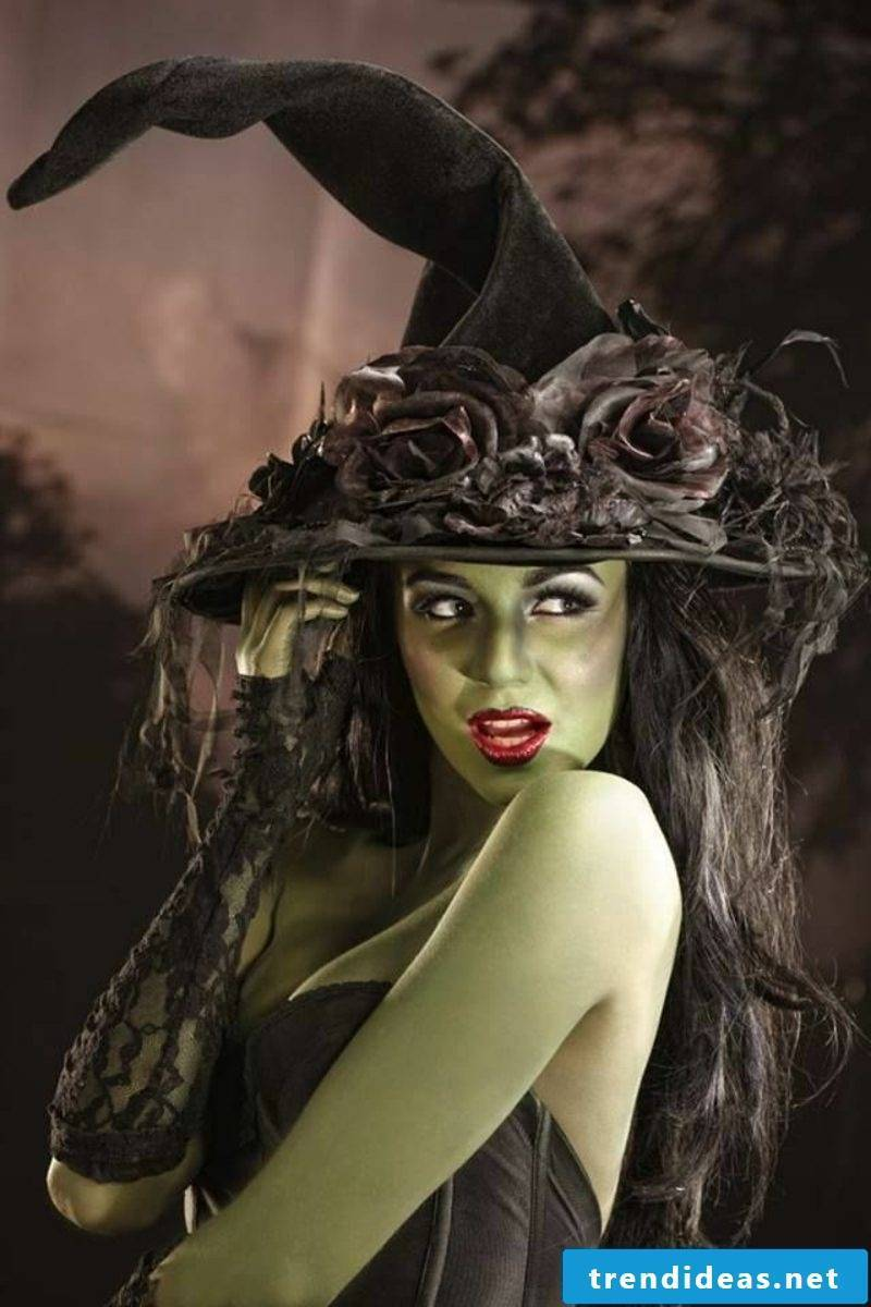 original halloween costumes and make-up tips for women