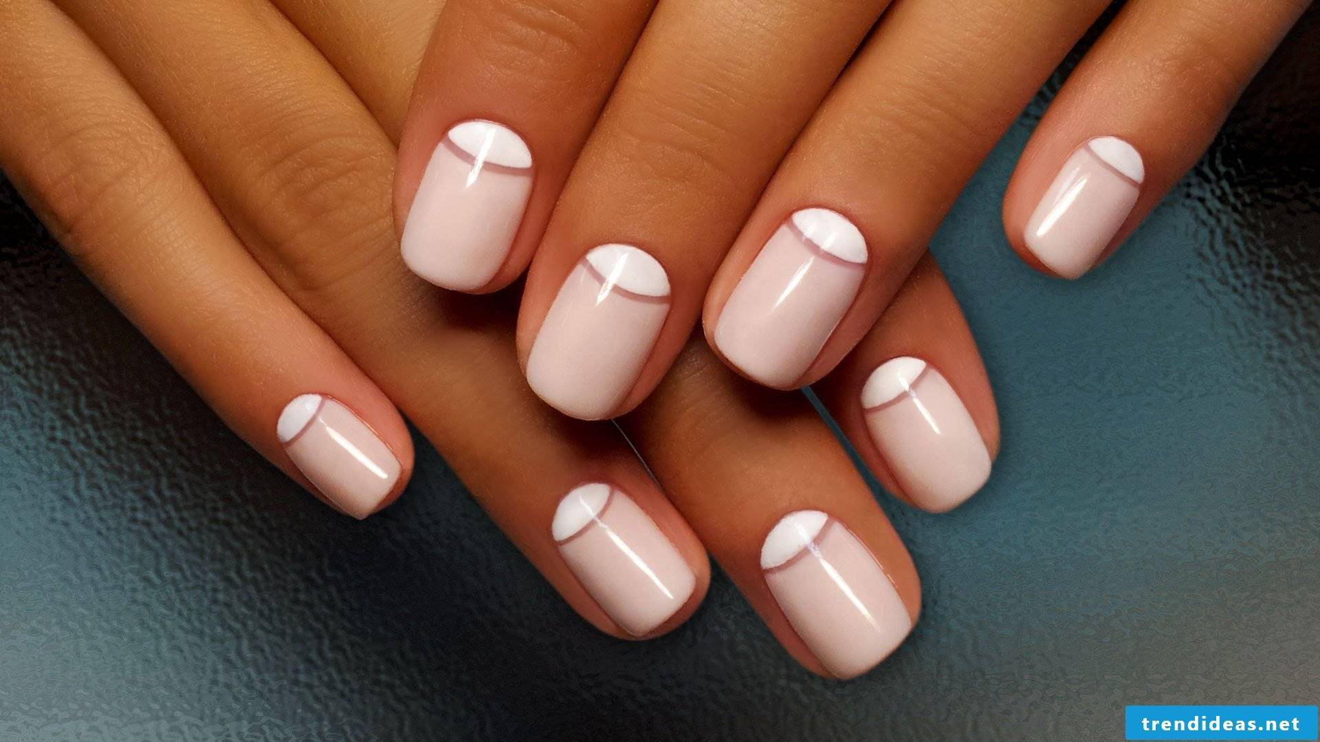 Noble fingernail design