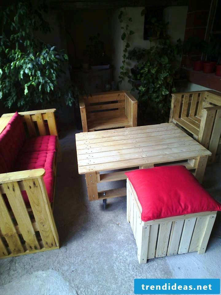 pallet furniture bench made of pallets build step 11 table made of pallets