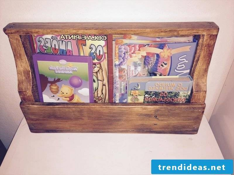 bookshelf shelf made of pallets pallet furniture self-build furniture made of pallets