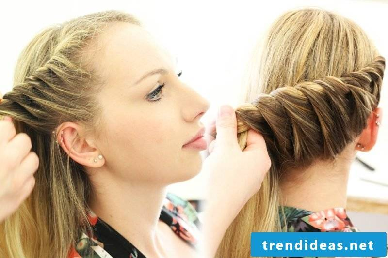 Make long hair hairstyle yourself