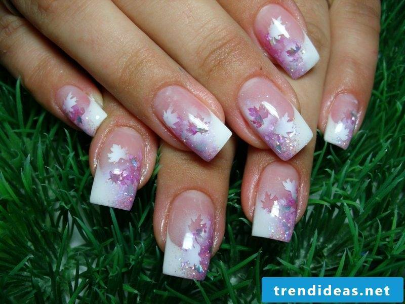Autumn leaves pink original nail pattern