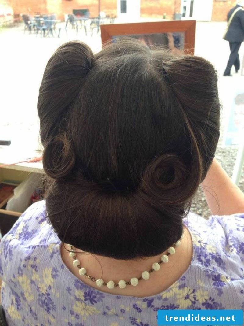 rockabilly-hairstyle-thesis version of victory rolls and bun is amazing