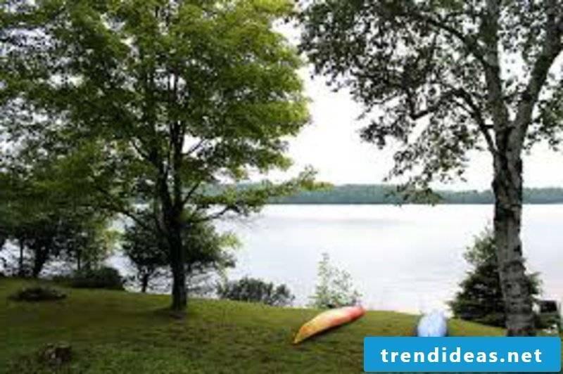 romantic-ideas-A weekend getaway by a lake