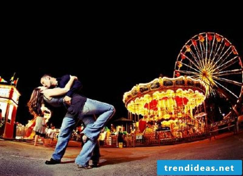 romantic ideas Go to an amusement park