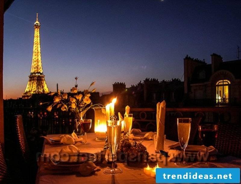 romantic-ideas-rooftop dinner Dinner-in-Paris-with-Eiffel-view_webwk