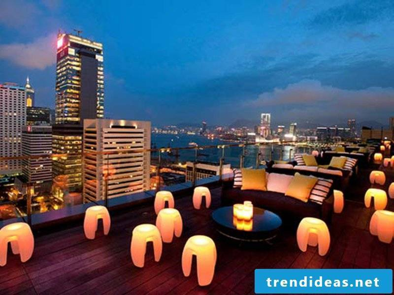 romantic-ideas-rooftop dinner Flirty-Rooftop-Bars-Hong-Kong-Sevva_tcm2046-851246