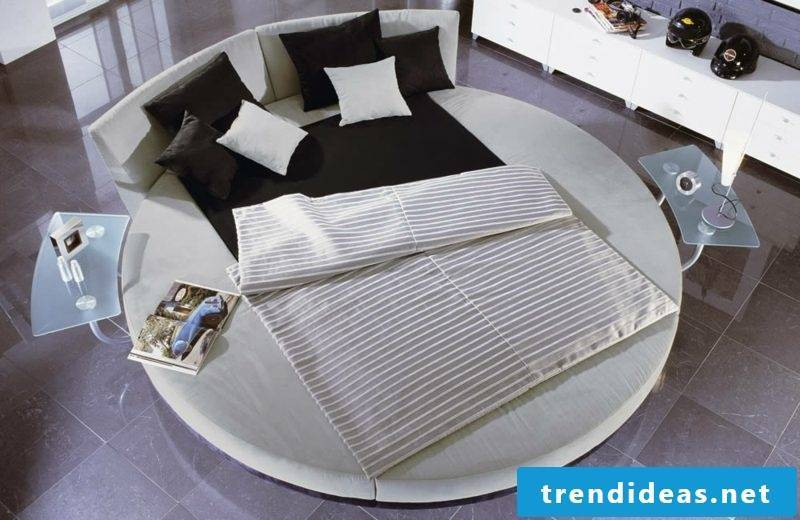 round bed two people gorgeous look