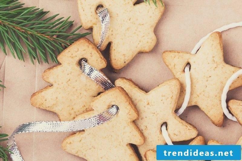 Do salt dough Christmas garland yourself