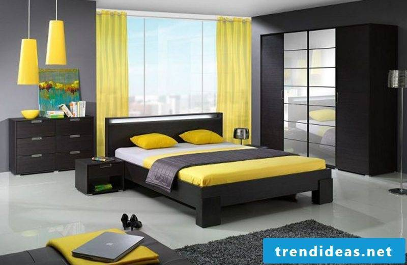 yellow accents Feng Shui bedroom