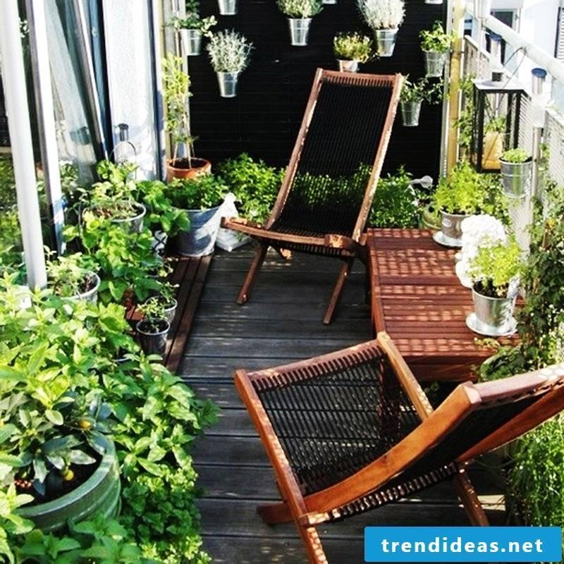 The right balcony flooring beautifies the balcony
