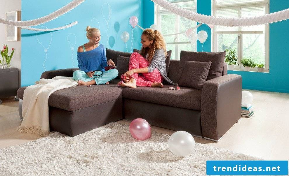 Set up youth room - sofa and armchairs are a trend