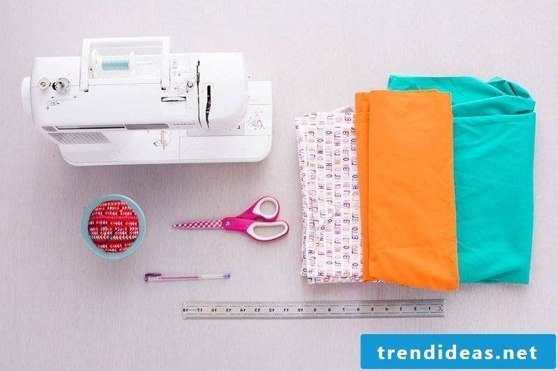 Use a few materials to sew a practical bread basket!