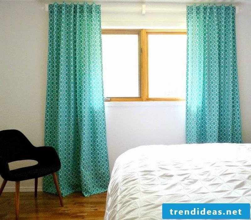 blue curtains Schlafzinmmer