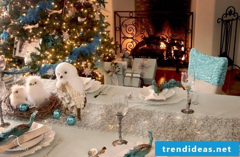 table runner-christmas-bright