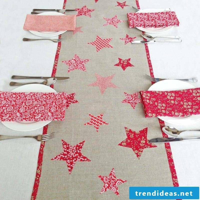 table runner-christmas-with-sternen