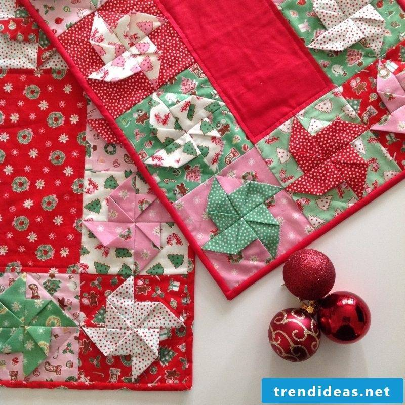 table runner-christmas-patchworke