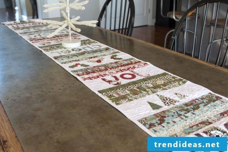 table runner-christmas-patchwork vintage