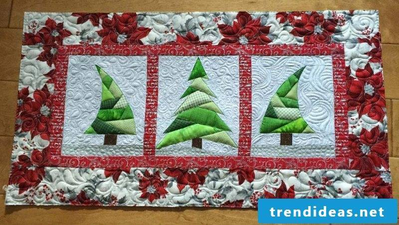 table runner-christmas-patchwork-of-two materials