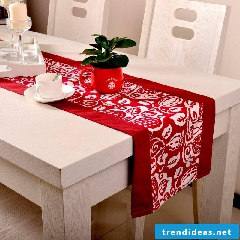 table runner-christmas-red