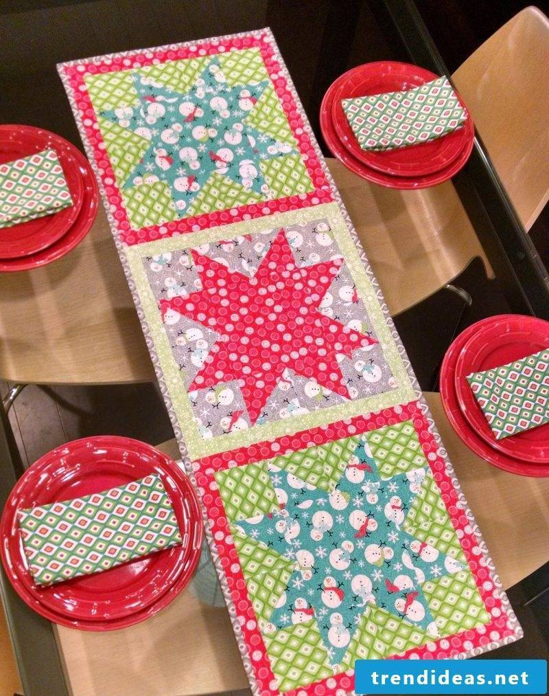 table runner-christmas-yourself-related