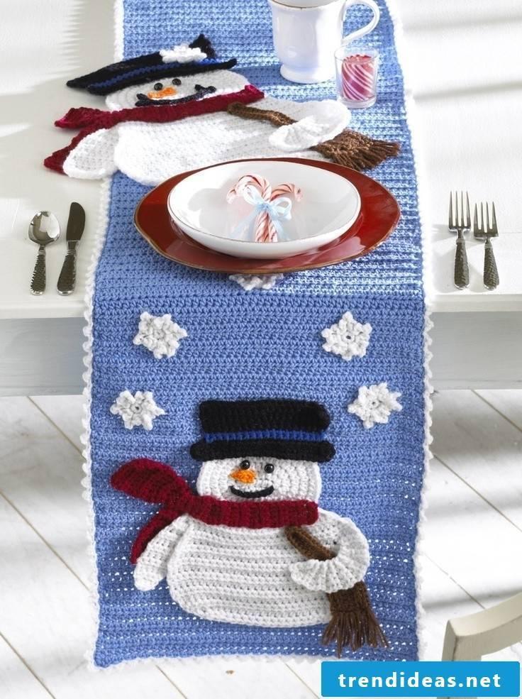 table runner-christmas-knit
