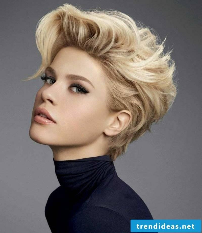 Short Hairstyles Women 2017 Undercut Extravagant