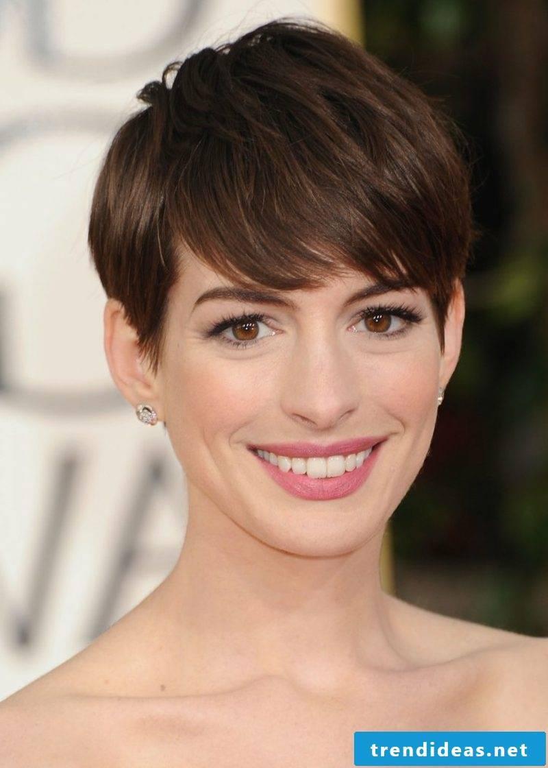 Short hairstyles women 2017 Anne Hathaway