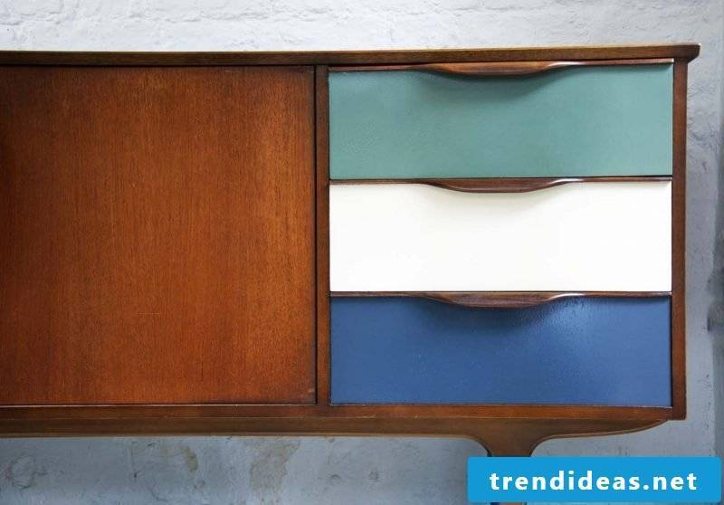 Build sideboard yourself: color the doors in different nuances