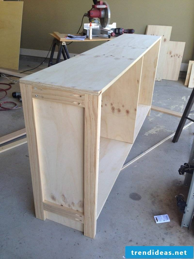 Sideboard build yourself: Instructions Step 3